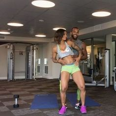 massy.arias PARTNER H.I.T.T WORKOUT, ARE YOU READY? [Tag your BFF or Workout partner] @willy_beamen This routine is a total body experience. We combined two exercises and performed as many reps as we could for 1 minute each. We rested from 1-1:30s and did 4 sets of each!