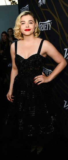 Beauty in a dress Chloë Grace Moretz, Beautiful Celebrities, Celebrity Pictures, White Women, Tall Women, My Girl, Evening Dresses, Celebs, Hot Girls