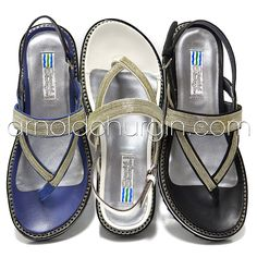 Arnold Churgin Skylar #fashion #styleblogger #sandals #shoefie #flats #summer Flats, Sandals, Beautiful Shoes, Shoe Boots, Flip Flops, High Heels, Summer, Fashion, Loafers & Slip Ons