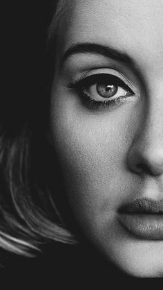 """Leia análise inédita de """"Hello"""", videoclipe que ressignificou Adele: http://www.thenewframepost.com.br/videoclipes/hello-its-me-analise-do-videoclipe-em-que-adele-renasceu-como-mulher"""