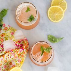 Remember that cocktail I teased you with yesterday? Well the post is live today on the blog! Go get yourself this delicious weekend recipe. #CocktailFriday {www.freutcake.com} #freuttail
