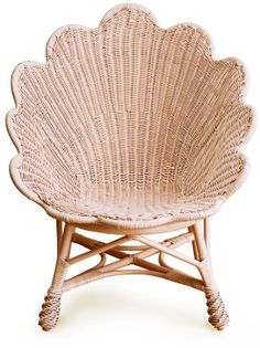 Soane - The Venus Chair. I love the scalloped edge and the dramatic clam shape of this chair. When I see this chair I think immediately of summer and exotic destinations. Wicker Furniture, Furniture Design, Garden Furniture, Corner Deco, Beach House Decor, Home Decor, Deco Design, Blog Design, Take A Seat