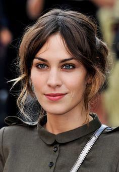 Alexa Chung // growing out bangs // middle part // ombres