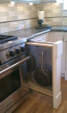 pot rack- absolutely love this idea!