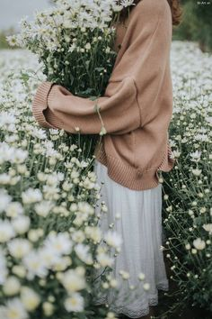 The art of slow living Flower Aesthetic, Aesthetic Photo, Aesthetic Pictures, White Flowers, Beautiful Flowers, Profile Pictures Instagram, Do It Yourself Wedding, Cute Photography, Slow Living