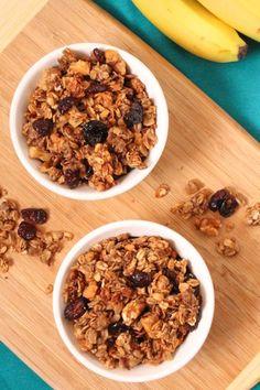 Banana Walnut and Cranberry Granola - via @eatspinrunrpt #eatclean #healthy #recipe