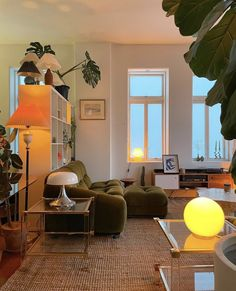 Dream Home Design, House Design, Dream Apartment, Apartment Living, Retro Apartment, Apartment Bedroom Decor, Apartment Interior, Aesthetic Room Decor, Dream Rooms
