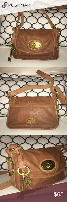 NWOT FOSSIL Long Live Vintage Reissue Crossbody🎀 FOSSIL Long Live Vintage Reissue #54 Crossbody Leather Bag PURSE Maddox perfect condition Fossil Bags Crossbody Bags
