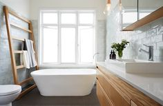 The family of 5 who call this turn-of-the-century Federation style weatherboard home were after a beautiful yet functional bathroom as part of the recent renovations. The must-haves on the list... Read more »