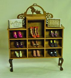 1:12th scale miniature shoe display ... by Unique Miniatures