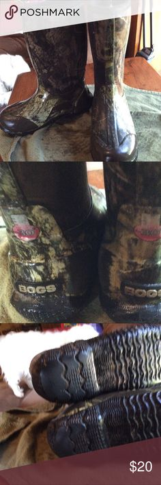 Children's Camouflage Bogs Worn part of one season. Bogs are great, rated at -30 below they eliminate the need to have separate snow, mud and rain boots. Although Poshmark requires me to decide if they are for a boy or girl for categorizing reasons Bogs tend to be unisex. Because these are Camo design I'm choosing boy's but they would be equally at home in the little girl's section. Some scuffs on heel portion of sole otherwise in great shape (this kid drags his feet) please see my closet…