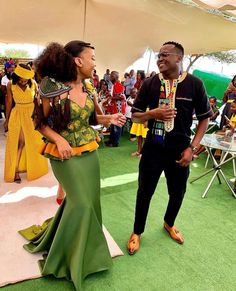 African Traditional Wedding Dress, Traditional Outfits, African Print Fashion, African Fashion Dresses, Seshweshwe Dresses, Africa Dress, African Attire, Xhosa, African Weddings