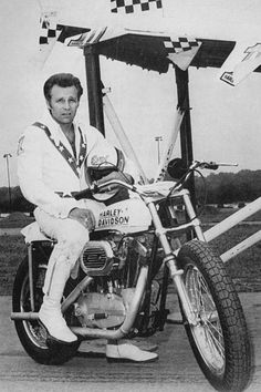 Evel Knievel & Harley-Davidson XR750 - early 1970's - motorcycle racing photo