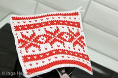 Potholder with traditional Norwegian sweater pattern, known as Fana Norwegian Knitting Designs, Knitting Projects, Knitting Patterns, Christmas Feeling, Potholders, Knitting Accessories, Knit Or Crochet, Double Knitting, Holidays And Events