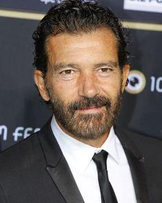 El actor está a punto de comenzar el rodaje de su último trabajo, 'Altamira', que le mantendrá por tierras cántabras hasta diciembre #cine