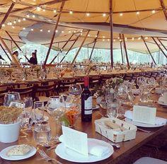 Tipi interior decor wedding Decor Wedding, Wedding Decorations, Table Decorations, Interior Decorating, Table Settings, Furniture, Home Decor, Marriage Decoration, Wedding Decor