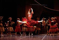 Kitri du Ballet� Don Quichotte, cr�ation de Rudolf Noureev en 1990  � Pascal Elliott, Pietragalla Compagnie 2010, site officiel http://www.agence-web-lausanne.com