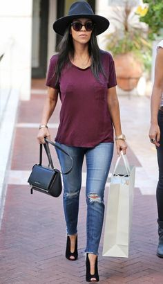 Kourtney Karsashian casual outfit.