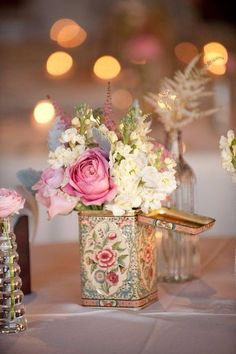 A sweet vintage #centerpiece we love! {Blume Photography}