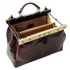 J4L Review: Tassia Luxury Small Italian Leather Gladstone Weekend Bag