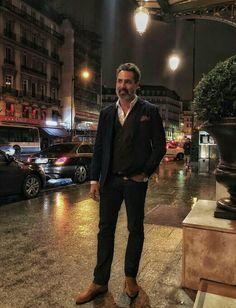 Victor is very stylish 😉 Oscar 2017, Victor Webster, Sharp Dressed Man, Man Alive, Facial Hair, Beautiful Men, Men Dress, Sexy Men, Hot Guys