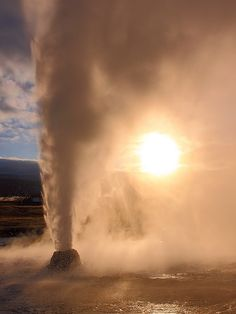 Beehive Geyser, Yellowstone National Park, Wyoming