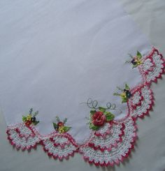 Risultati immagini per elisabetearte trico Crochet Fabric, Thread Crochet, Crochet Flowers, Knit Crochet, Crochet Edging Patterns, Crochet Borders, Diy Embroidery, Embroidery Patterns, Diy Broderie