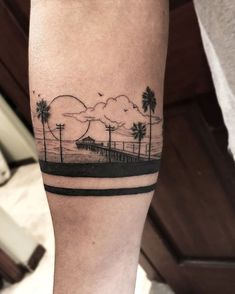 Search inspiration for a Blackwork tattoo. Forarm Tattoos, Dope Tattoos, Mini Tattoos, Body Art Tattoos, Band Tattoos For Men, Small Tattoos For Guys, Arm Band Tattoo, Beachy Tattoos, La Tattoo