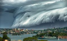 """Extraordinary """"Cloud Tsunami"""" Surges in Over Sydney - http://designyoutrust.com/2015/11/extraordinary-cloud-tsunami-surges-in-over-sydney/"""