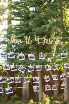 polaroid guestbook http://weddingwonderland.it/2016/05/idee-per-decorare-il-matrimonio-con-fotografie.html