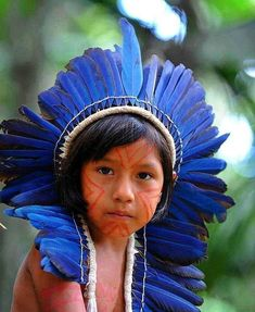 Xingu Tribe in Brasil We Are The World, People Around The World, Around The Worlds, Beautiful Children, Beautiful People, Precious Children, Xingu, Arte Tribal, Indigenous Tribes