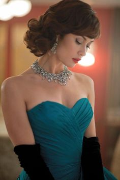 Olga Kurylenko as Vera Evans in Magic City Actrices Sexy, Foto Instagram, Instagram Models, French Actress, Glamour, Hollywood Actresses, Strapless Dress Formal, Beautiful Women, Celebs