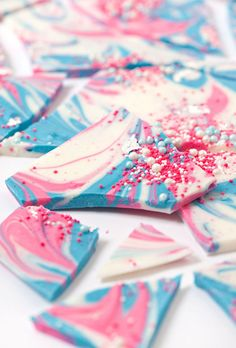 Sprinkle And Swirl Bark   21 Insanely Delicious Desserts That Aren't Afraid To Wear Color