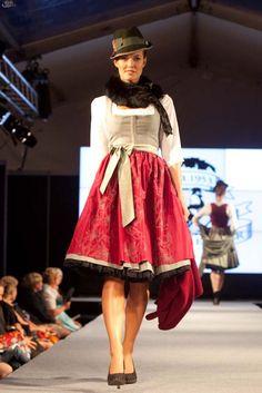 Trachten Forstenlechner (Pracht in Tracht / Altstadt Fashion Week 30.08.12)
