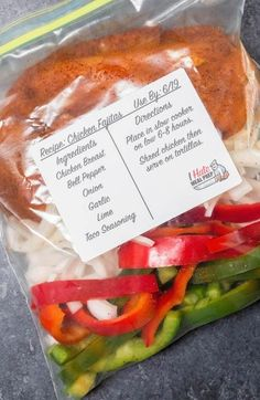 An easy freezer meal that you can prep and dump into a crock pot when ready to cook. These freezer chicken fajitas will help you stay on budget! #mealprep Chicken Freezer Meals, Crock Pot Freezer, Make Ahead Freezer Meals, Freezer Cooking, Meal Prep Freezer, Freezer Recipes, Crock Pot Dump Meals, Meals To Freeze, Freezer Friendly Meals