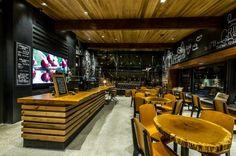 Starbucks chez Disney  à Downtown Disney à Anaheim, en Californie.
