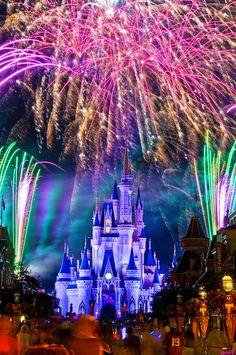 Walt Disney World Magic Kingdom - Orlando, FL Magic Kingdom, Kingdom 3, We Are The World, Wonders Of The World, Disney Love, Disney Magic, Disney Disney, Orlando Disney, Disney Travel