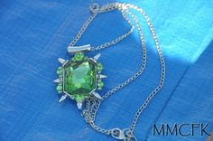 Once Upon a Time Zelena Glinda Green Gem OUAT Pendant Necklace by MMCFK on Etsy https://www.etsy.com/uk/listing/225970763/once-upon-a-time-zelena-glinda-green