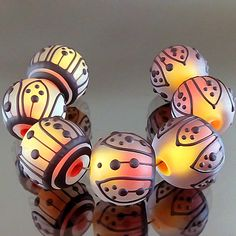 PIKALDA=handmade lampwork 7 glass beads dot line=TROPICAL LEAF=SRA