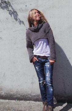 cropped sweater / Brown chunky /cropped sweater / snug by ileaiye