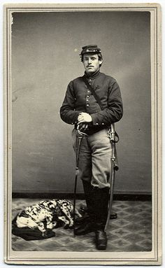 I love old pictures of soldiers.