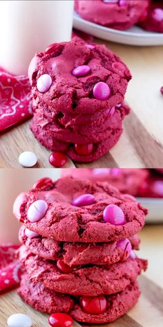 Red Velvet M&M Cake Mix Cookies are made with only 4 ingredients, one bowl, and take less than 30 minutes. These red velvet cookies are an easy dessert, served with a tall glass of milk! Valentines Baking, Valentines Day Desserts, Holiday Desserts, Holiday Baking, Easy Desserts, Delicious Desserts, Yummy Food, Valentine Cookies, Diy Valentine