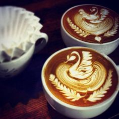 Two swans are swimming. #latteart #coffee