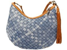 Checkered Woven Recycled Denim Saddle Bag by Miranda Chance - borsa intrecciata in jeans denim riciclato Diy Jeans, Sewing Jeans, Jeans Refashion, Jeans Recycling, Diy Sac, Denim Handbags, Denim Purse, Denim Ideas, Denim Crafts