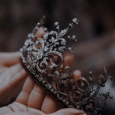 Crown Aesthetic, Queen Aesthetic, Princess Aesthetic, Classy Aesthetic, Aesthetic Images, Book Aesthetic, Character Aesthetic, Aesthetic Vintage, Aesthetic Wallpapers