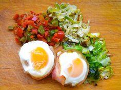 20130413-sunday-brunch-eggs-bacon-basket.JPG