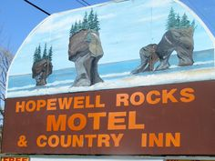 Just 1 km from the Bay of Fundy, Hopewell Rocks Motel & Country Inn features free Wi-Fi, playground and an outdoor heated pool surrounded by sunbeds. Hopewell Rocks, Queen Room, Adult Children, Private Pool, Motel, Cape, Canada, Country, Mantle