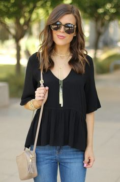 Opt for a metal lariat necklace to bring elegance to any casual look!