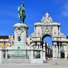 Lisbon Wins Amadeus and WTM Travel Experience Awards - via Female First 12.11.2013 | Portugal's capital city, Lisbon, has now gained recognition as a capital choice for budget travellers, winning the best City Break on a Budget category at the inaugural Amadeus and WTM Travel Experience Awards. ...in recognition of Lisbon's excellent options for the traveller on a budget, with plenty of affordable accommodation and places to eat as well as many free attractions.