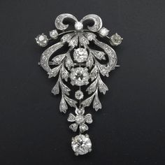 EDWARDIAN REVIVAL 14K WG DIAMOND BROOCH Ca. 1950.